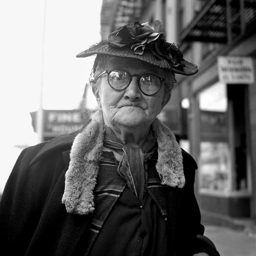 5-Vivian-Maier-Lady-glasses