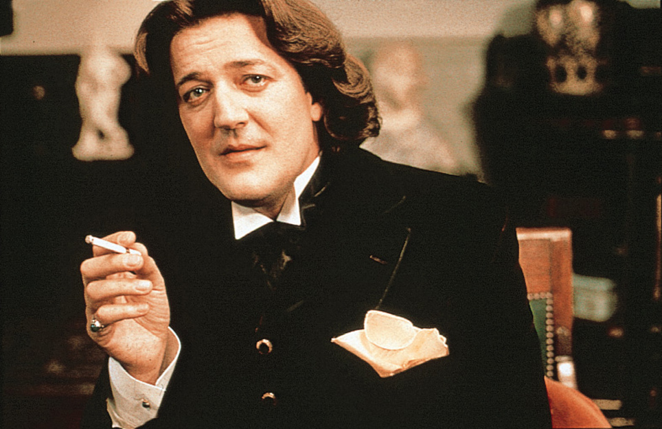 stephen-fry-as-oscar-wilde
