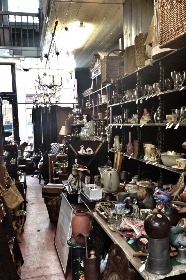 AntiqueShop1