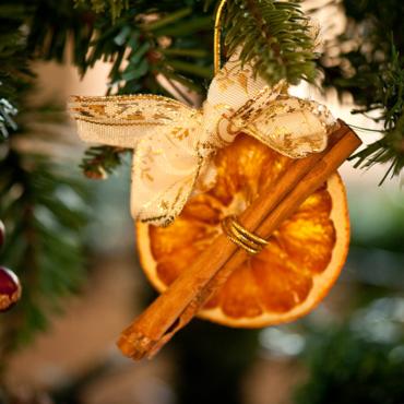 Елка с запахом апельсинов