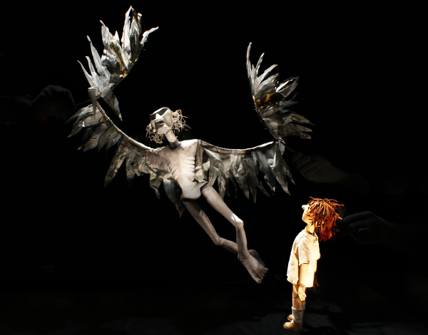 very-old-man-with-enormous-wings_little-angel