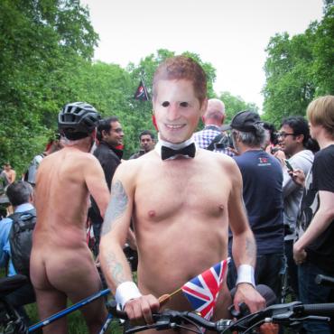 Голый велопробег в Лондоне: моральное сложение