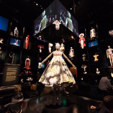 Выставка Александра Маккуина: торжество эстетики над этикой