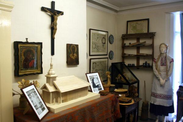 Уголок музея и макет будущей церкви