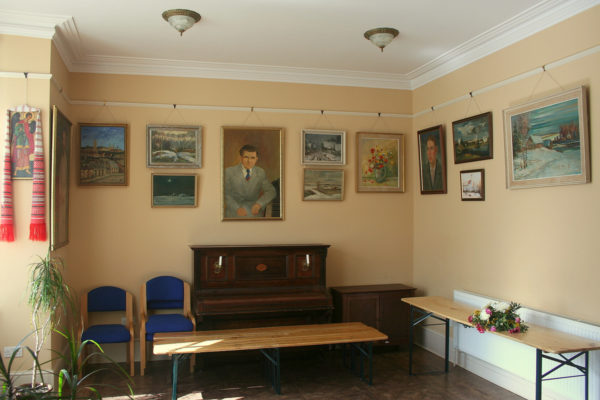 Украшения на стенах в Marion House