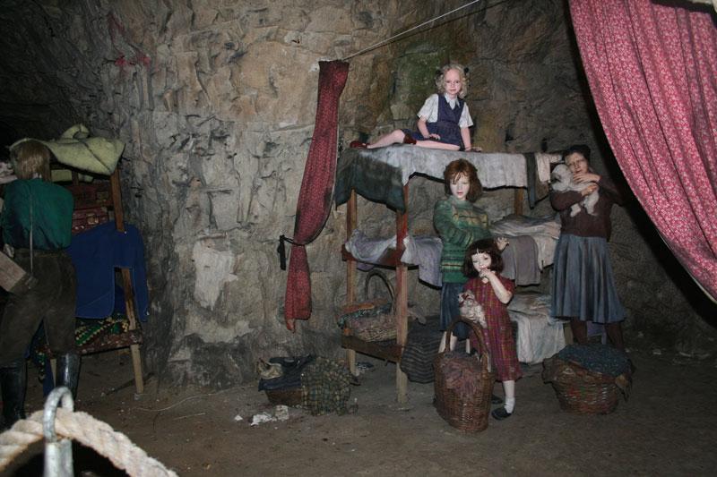chislehurst-caves-tunnels-478216-o