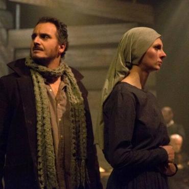Каждый неверный шаг – это шаг на виселицу.  The Crucible в The Questors Theatre.