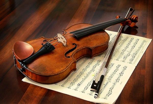 Самую дешевую скрипку Страдивари нельзя купить меньше, чем за 3 миллиона долларов