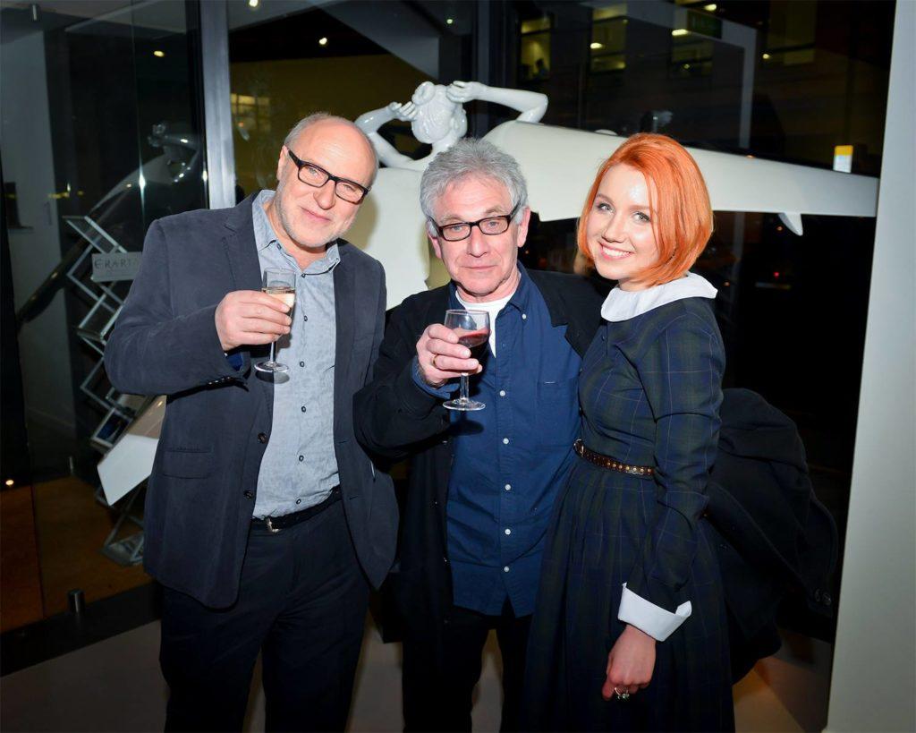 Зиновий Зиник (на фото - с Александром Каном, BBC, и Катей Никитиной)