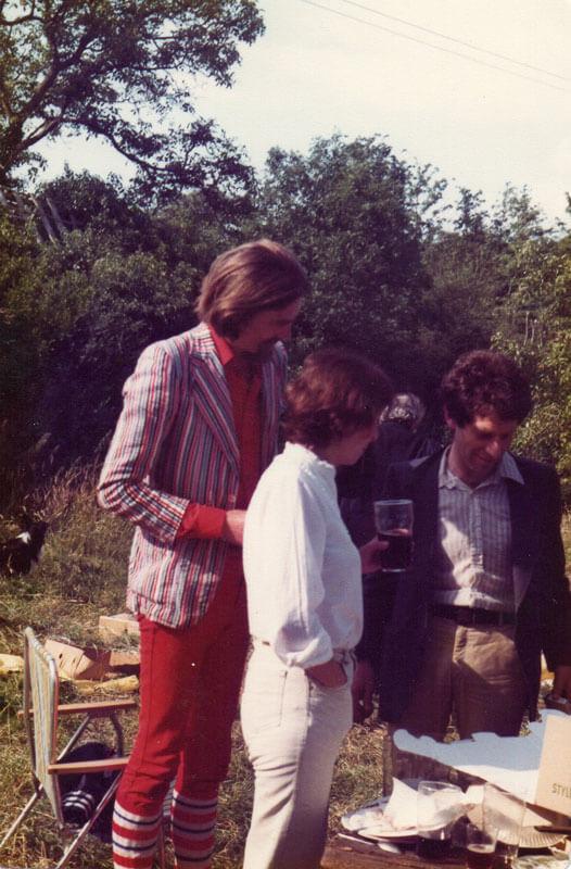 Робин, Нина и Зиновий на пикнике