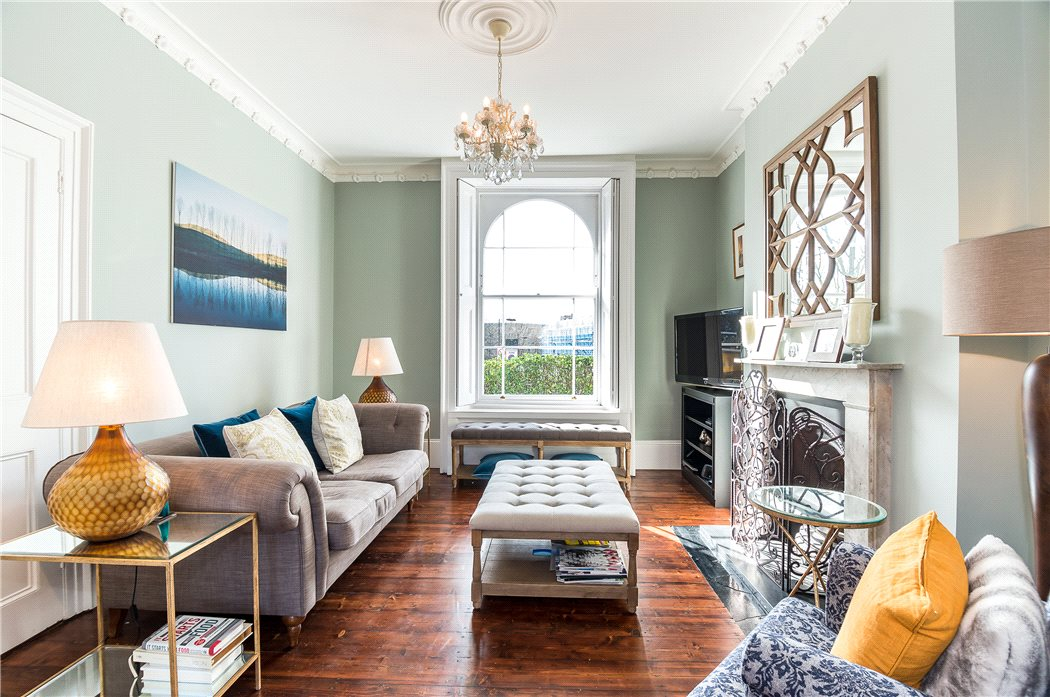A 5 bedroom Grade II listed house for sale in Islington, £1,950,000