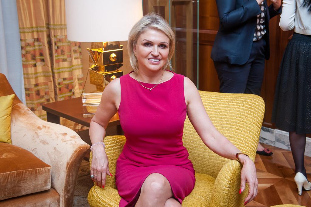 Наталия МакКи, Perfect Household Staff