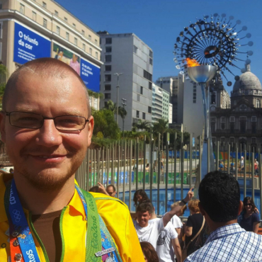 Свой человек в Рио: комментарий к скандалу с волонтерами