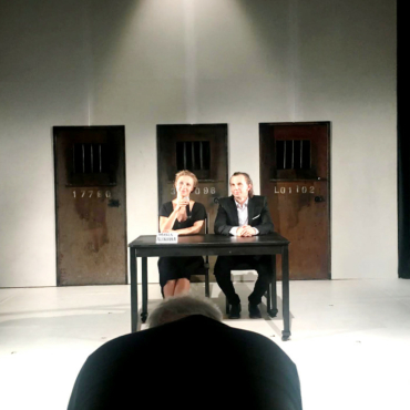 Мария Алехина в спектакле Burning doors. Акробатика насилия