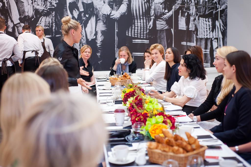 Завтрак Women Who Inspire в Halcyon