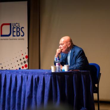 Владимир Познер: Есть несколько журналистов, но профессия как таковая умерла