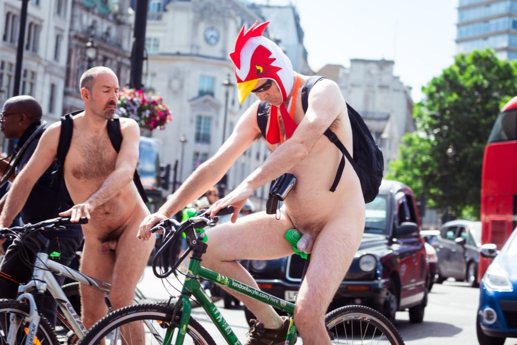 Как велосипедисты ездили по центру