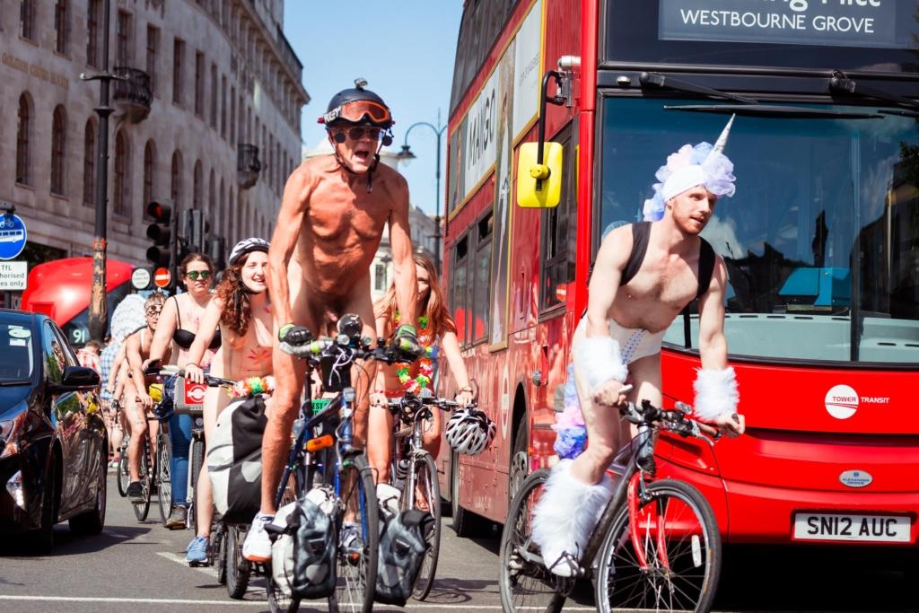 Велосипедисты в центре лондона