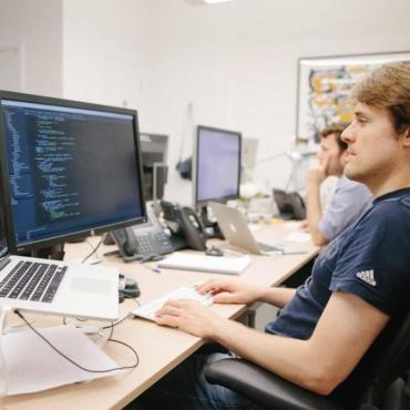 Из Яндекса в Лондон. Как переезжают и сколько зарабатывают российские IT-специалисты в Британии