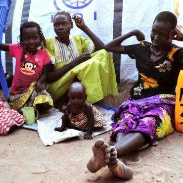 Благотворительные организации: как они работают, на что тратят деньги и перед кем отчитываются