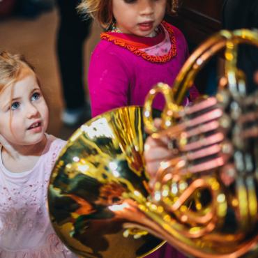 Концерт для мамы с младенцем. Как в Лондоне послушать классическую музыку с маленьким ребенком