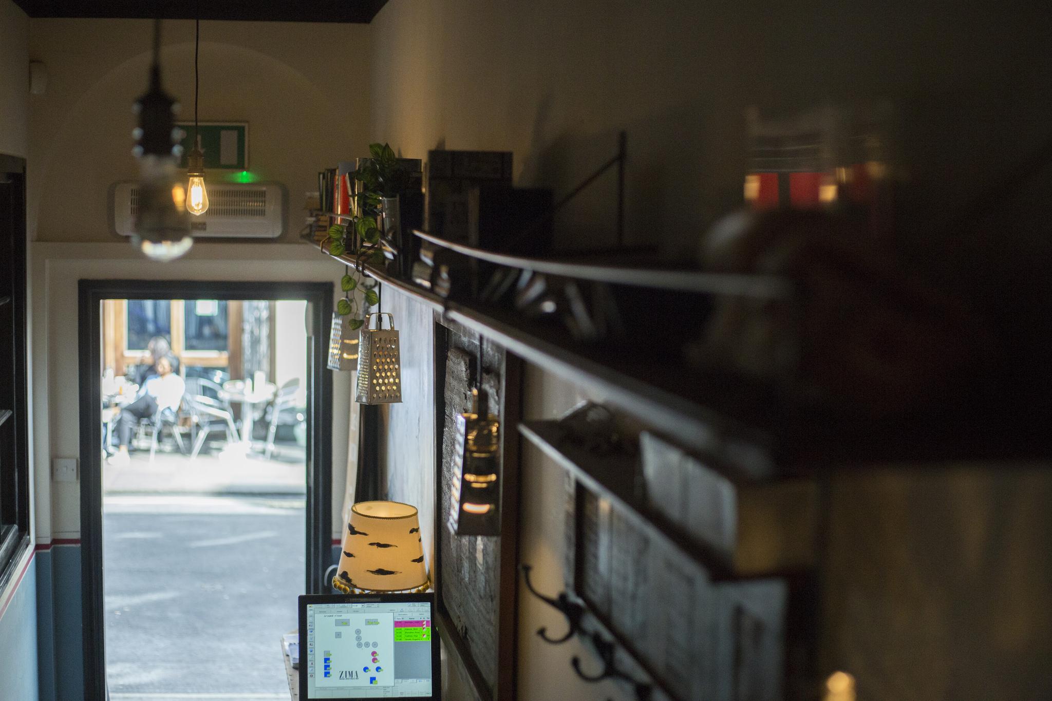 Вакансии: менеджер по маркетингу в ресторан