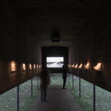 «101 километр. Далее — везде»: в Лондоне поставили памятник советскому инакомыслию