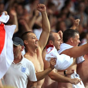 Боятся ли болельщики сборной Англии ехать в Россию на ЧМ-2018? (Отвечают они сами)