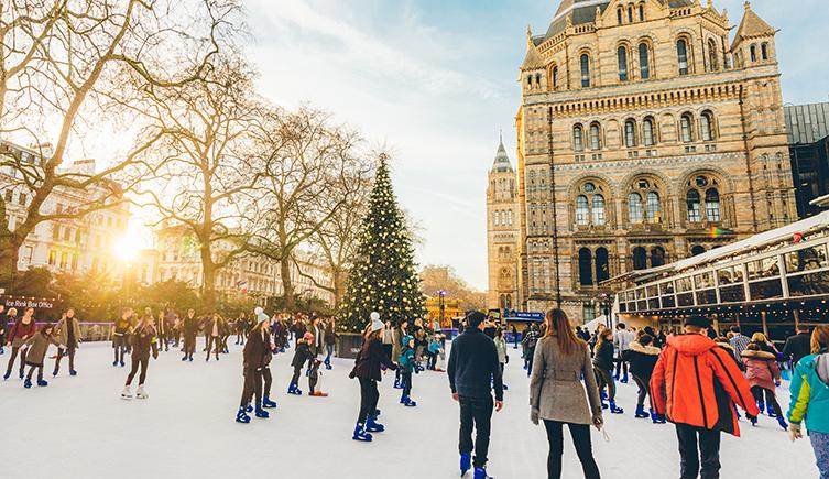 Рождество в Лондоне. Каток возле Natural History Museum