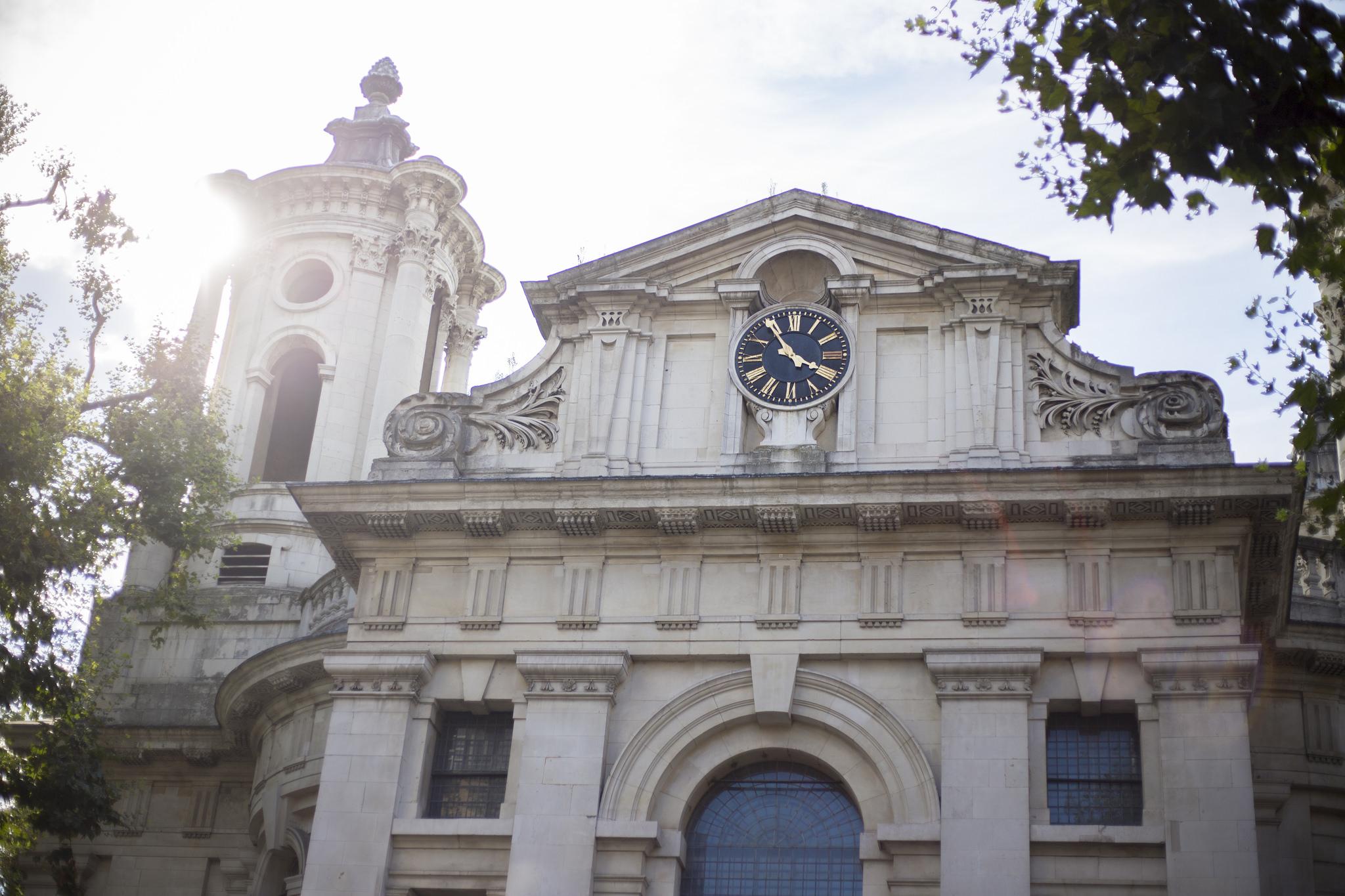 Обед – святое дело. Зачем английские церкви открывают рестораны и кафе, и в какие из нихстоит сходить