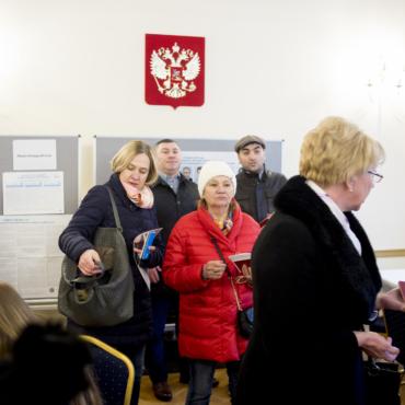 У Собчак — 23%. Как прошли выборы в Лондоне. Репортаж