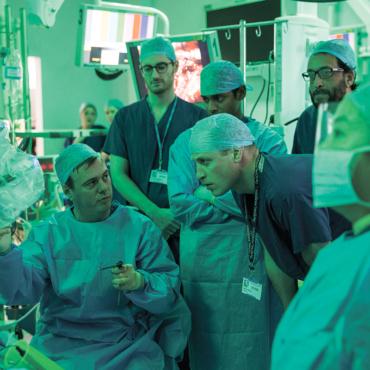 Заменит ли хирурга робот? Как изменится медицина, когда в нее придет искусственный интеллект