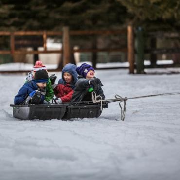 Снег – это свобода. Почему родители и дети в Англии так радуются, когда закрывается школа