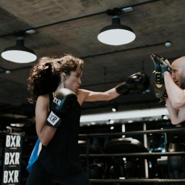 Оля Сардарова, основательница боксерского клуба BXR London: «Бизнес должен приносить деньги, которые я считаю в конце каждого дня».