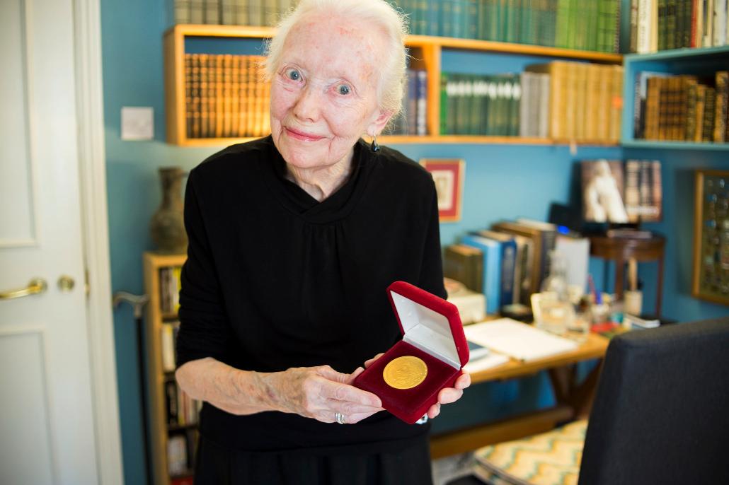 Английская писательница Мэри Хобсон