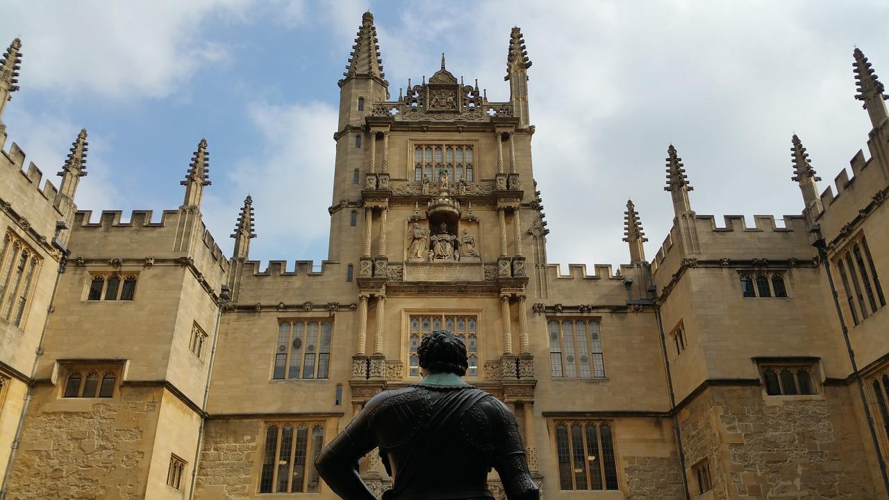 Почему в Оксфорде больше бюрократии, чем в российском вузе. Объясняет студентка