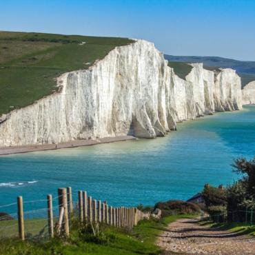 Где возле Лондона самые красивые пляжи? (помогите выбрать)