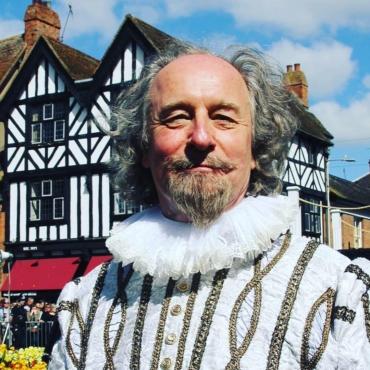 Шекспир в Стратфорде, Уорхол в Эдинбурге, еда в Бленхейме. Лучшие события апреля и мая за Лондоном