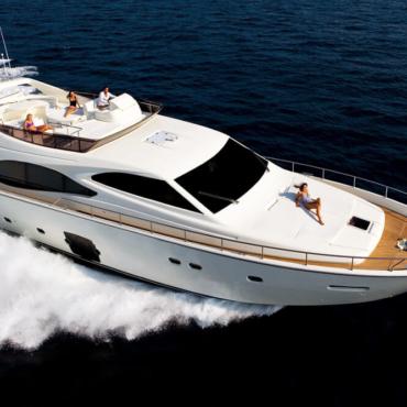 Правда ли, что арендовать яхту на отпуск дорого, сложно и непрактично? Рассказывает чартерный брокер