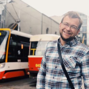 От роботов до пельменей. Сколько русских в Чехии, как они туда переезжают и чем занимаются. Репортаж