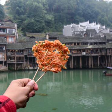 Ох уж эта китайская кухня: суп из птичьих гнезд, столетние яйца, медвежьи лапы и прочие деликатесы