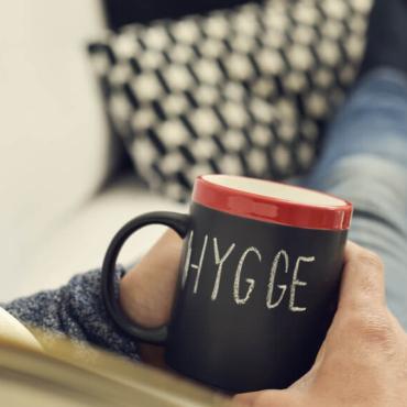 Что такое настоящее хюгге, которое и есть датское счастье? Еда, экономия и пофигизм
