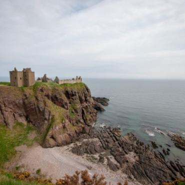 Маршрут на три дня в Шотландии: ностальгия по «Игре престолов», безлюдный пляж и музей быта