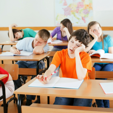 Твердая четверка. Как в Англии изобрели новую шкалу школьных оценок, но ее не смогли понять родители