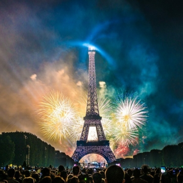 Как французы отмечают главные праздники года: от Дня взятия Бастилии до Рождества