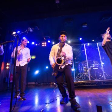 Концерт группы Uma2rmaH в Лондоне собрал £14000 для больных детей в России