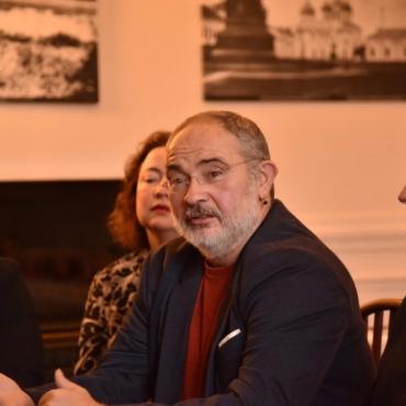 Что разобщает русский Париж и что может его объединить? Дискуссия с Маратом Гельманом и Натальей Тюриной