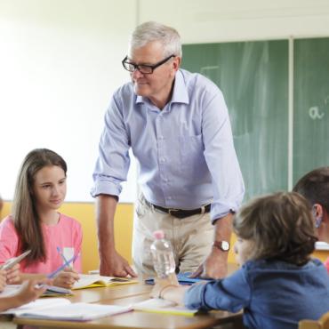 Гендерный баланс среди учителей: чем больше мужчин, тем лучше школа?