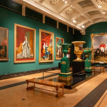 Кровавая трагедия и кровные узы. Две важные выставки к столетию гибели Романовых