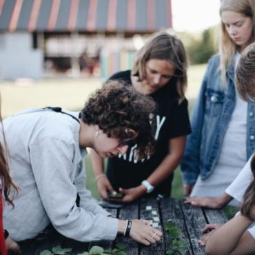 Куда отправить ребенка наканикулы? Лагеря для русскоязычных детей и подростков вЕвропе